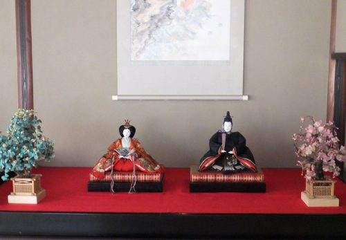 【4/7(日)まで公開】大正期の雛人形を展示しています